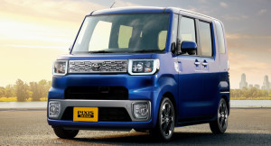 Toyota-Pixis-Mega-0