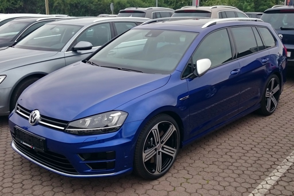 VW_Golf_VII_R_Variant_4Motion_2.0_TSI_DSG