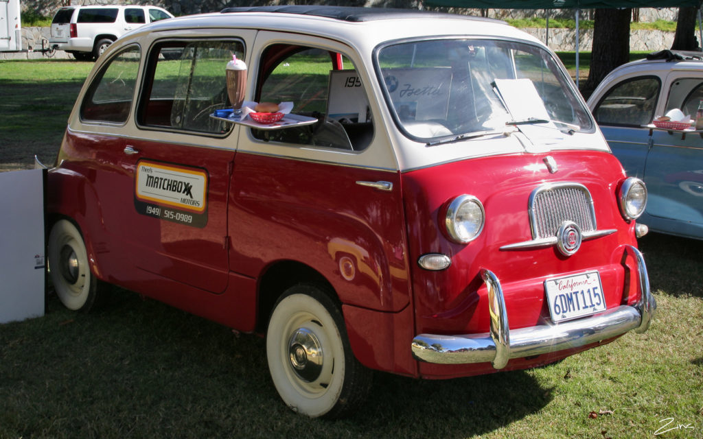 1960_Fiat_600_Multipla_-_red_white_-_fvr_(4637764532)