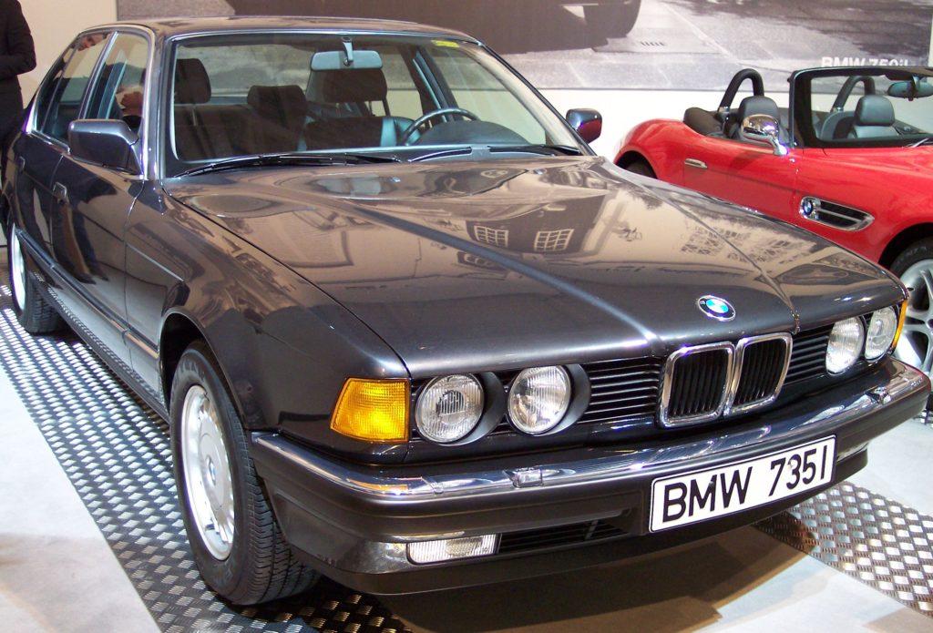 BMW_735i_1987_grey_vr_TCE