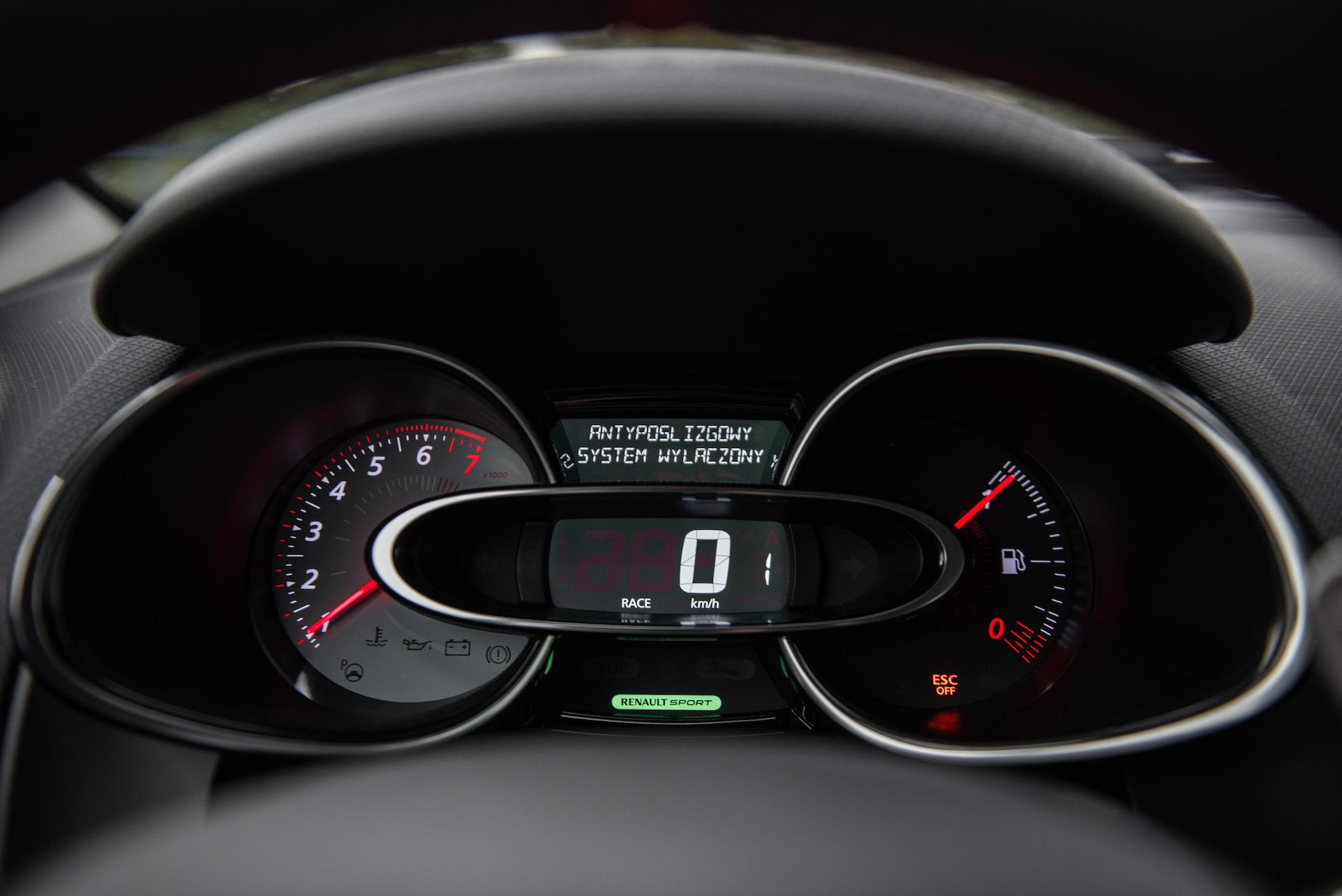 Renault_Clio_RS_9
